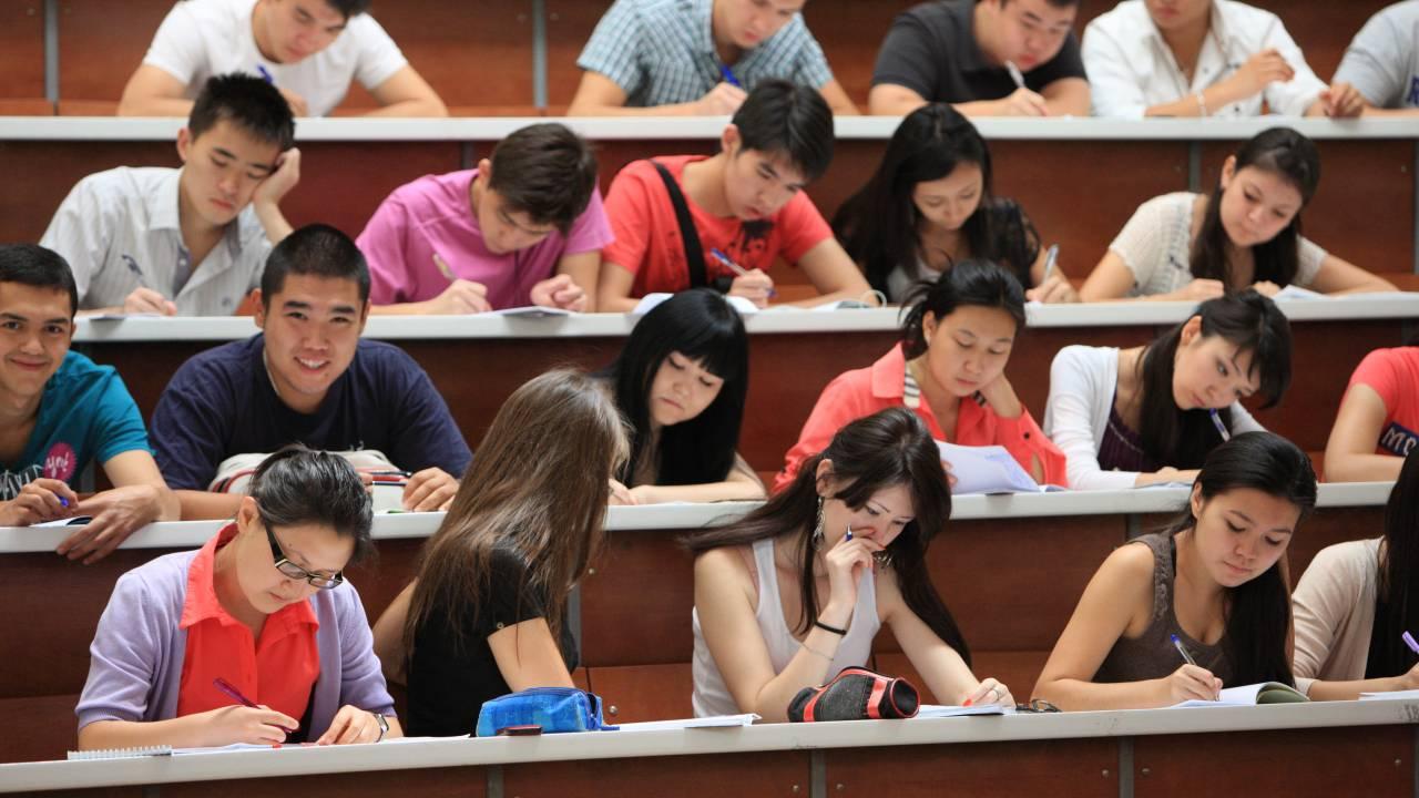 В Казахстане начался прием документов на гранты в магистратуру
