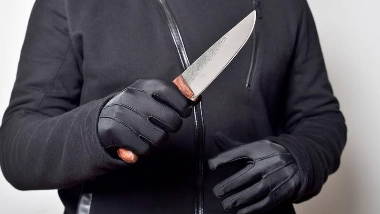 Муж воткнул нож в спину жене в Атырау
