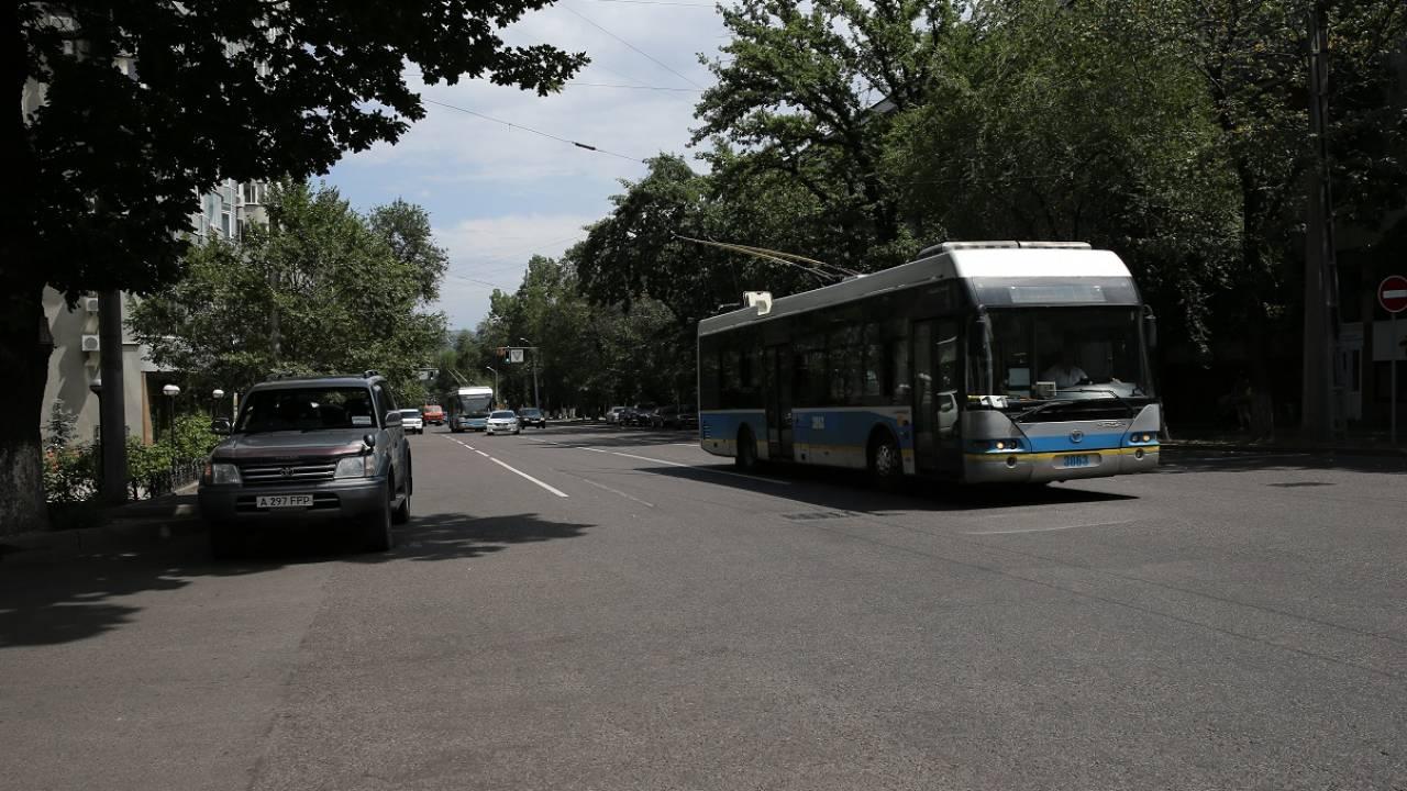 Количество автобусов увеличат в часы пик в Казахстане