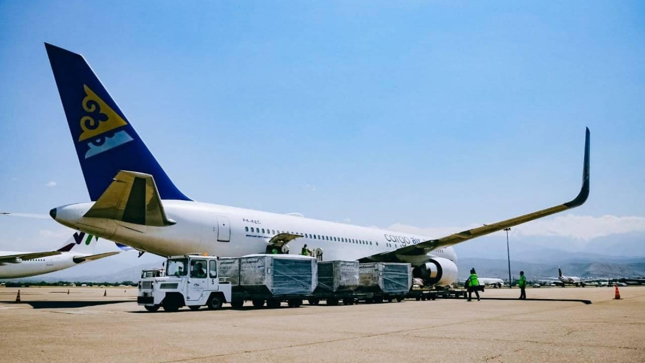 Самолет Air Astana экстренно сел в аэропорту Атырау