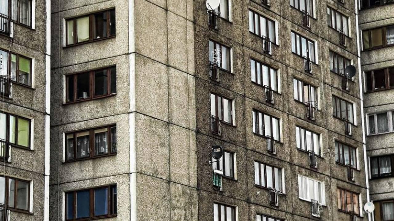 Парень выбросился с 16-этажа в Семее